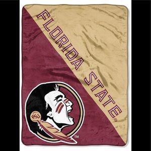 Florida State Seminoles warm blanket 40x60 New